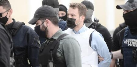 Γλυκά Νερά: Στον ανακριτή ο πιλότος - «Να σαπίσεις στη φυλακή δολοφόνε», του φώναζαν